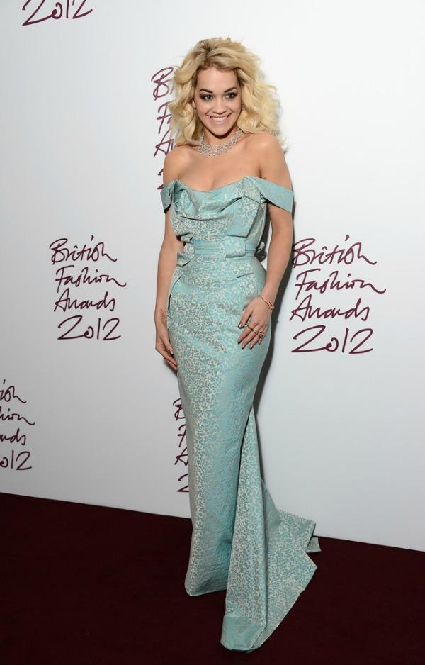 Rita Ora 3 10 haljina: Rita Ora