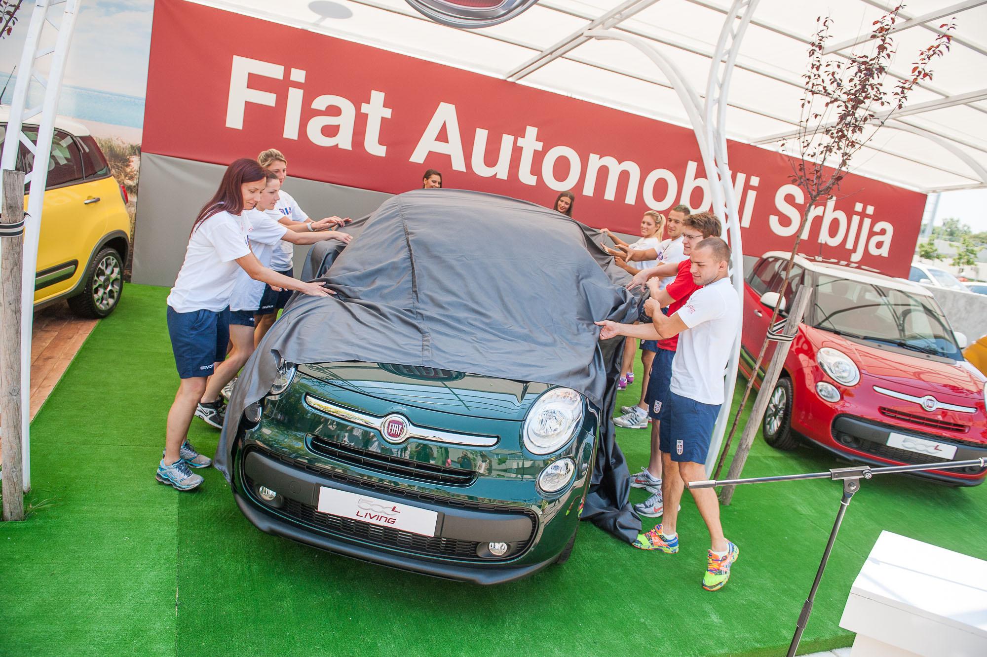 Sportisti osvajaci medalja na MI u Turskoj otkrivaju FIAT 500L Living FIAT 500L Living predstavljen u Beogradu na manifestaciji Leto na Galetu