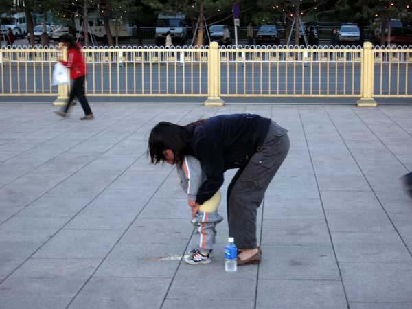 Sta bi bilo kad bismo svi vrsili nuzdu na ulici Kulturo eve me: Ko to kaki tamo gde se ne sme?