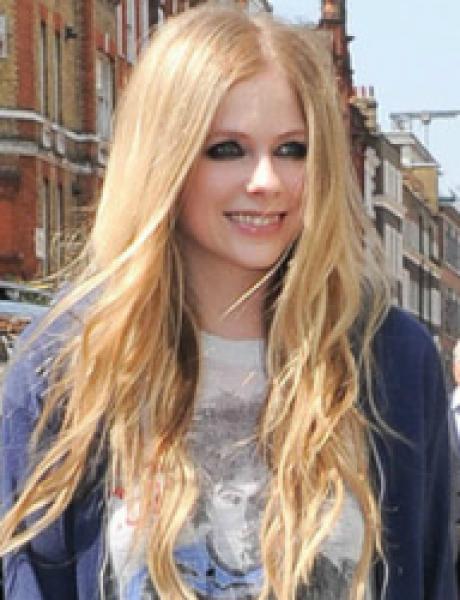 Street Style: Avril Lavigne