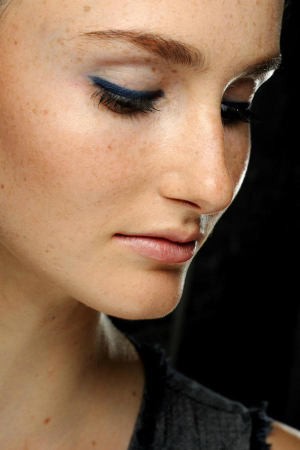 Tamnoplava Beauty predlog: Plava olovka za oči