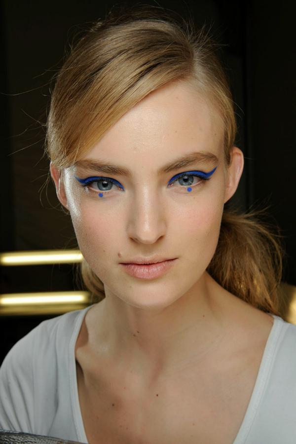 Tocka Beauty predlog: Plava olovka za oči