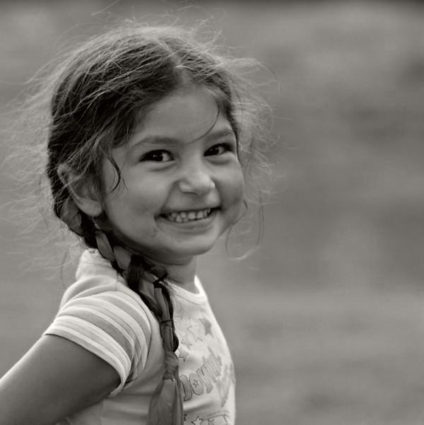 Tvoj je podeil ga nasmej druge ali nikome ne dozvoli da ti ga slica skine Al osmeh nikom ne daj