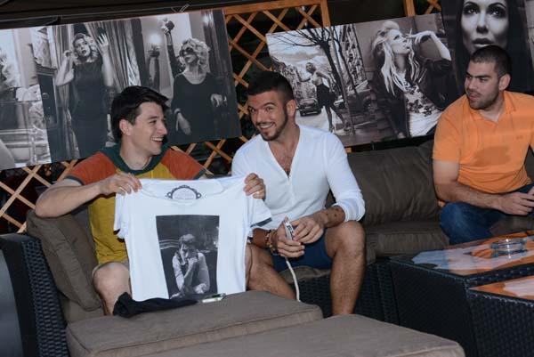 URK 4427 QP Lounge   Poznati na promociji linije majica sa fotografijama Stefana Kokovića