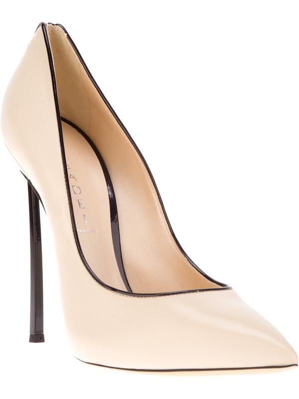 bez cipele Get the Look: Victoria Beckham