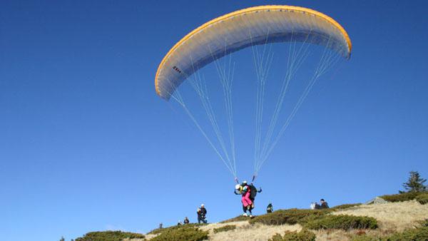 paraglajding Kopaonik sportsko rekreativne i zabavne aktivnosti u prirodi