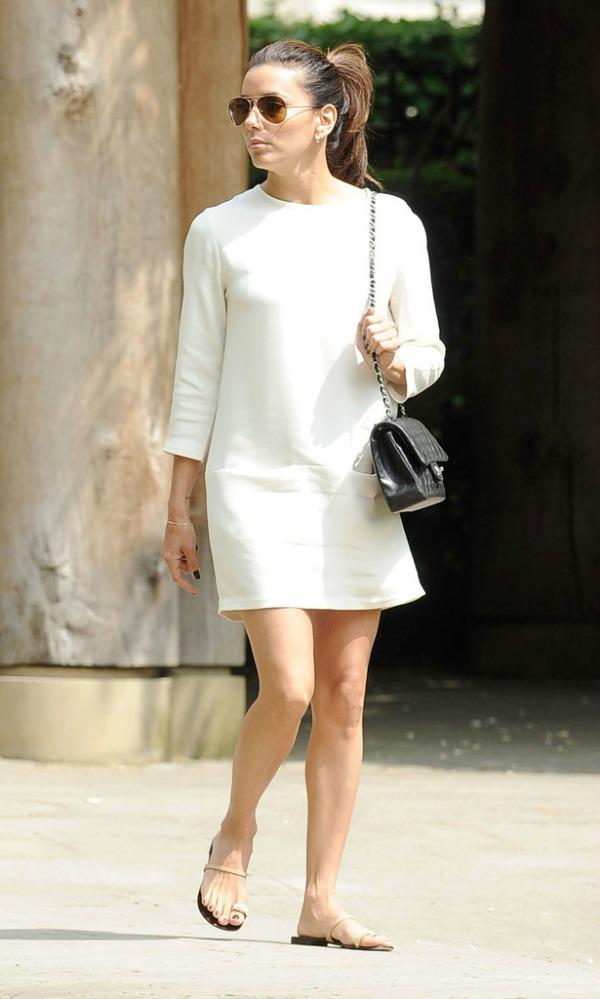 Eva u beloj haljini 4.jpg Street Style: Eva Longoria