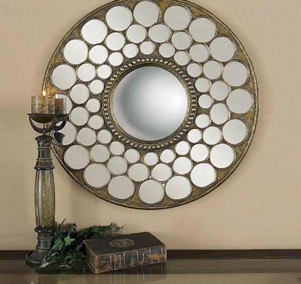 Okruglo ogledalo iznad svecnjaka Svakodnevne sitnice: Ogledala