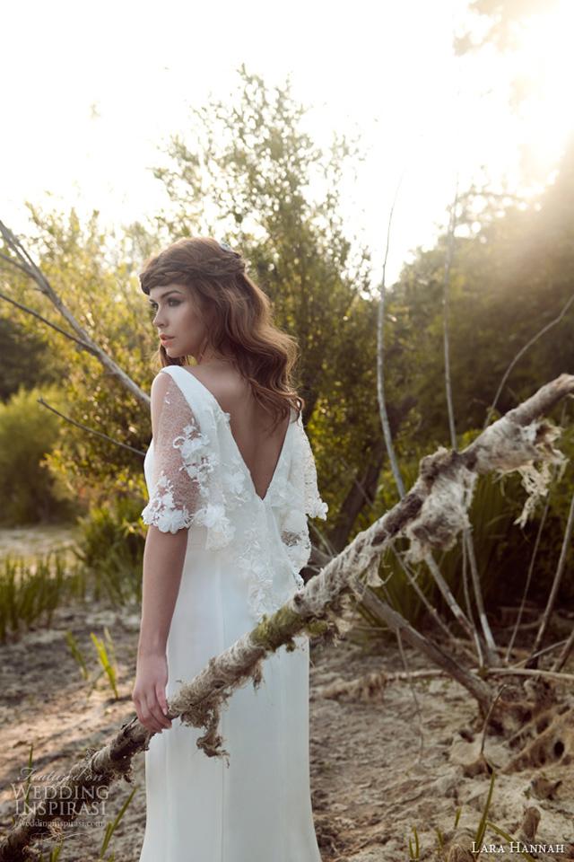 lara hannah bridal 2014 priestess vintage 1940s style wedding dress lace cape Wannabe Bride: Lara Hannah   Magična kolekcija