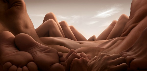 """Shin Knee Valley"" Bodyscapes: Gola tela pretvorena u pejzaže"