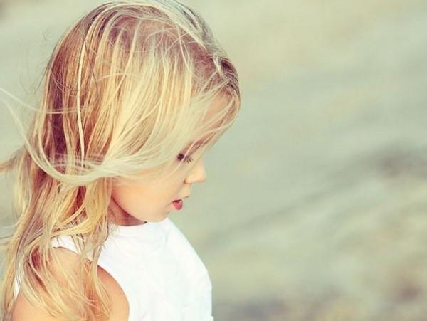 1376564125878 Tako Dunja kaže: Druga devojčica da dobije cveće, kako da ne!