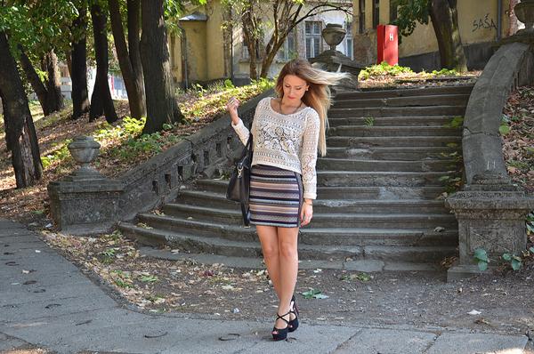 9634966097 fbc7733277 c Šta modne blogerke nose ovih dana: Teksas, karirano i kraljevskoplava