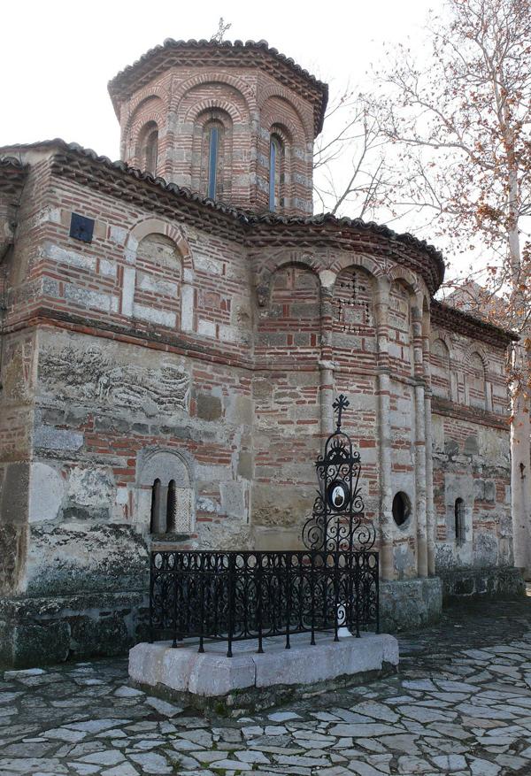 Crkva Uspenja Bogorodice kraj koje je sahranjen Davidovic Ljudi koji su pomerali granice: Dimitrije Davidović