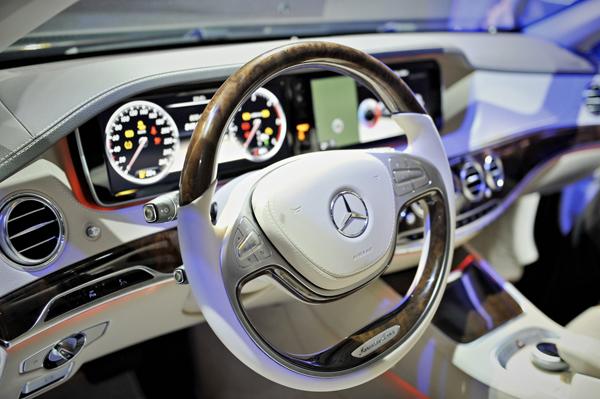DSC5254 Mercedes Benz: Nova S Klasa stigla u Beograd