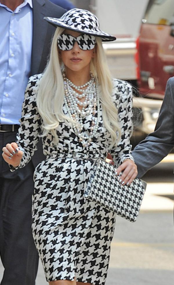 Gaga u crno belom Sve torbe: Lady Gaga