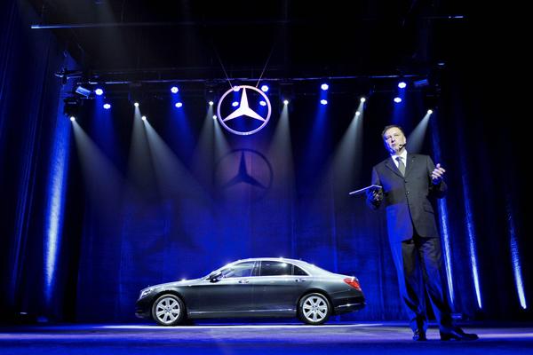 Generalni direktor MBSCG Rolf Juergen Seyerle Mercedes Benz: Nova S Klasa stigla u Beograd