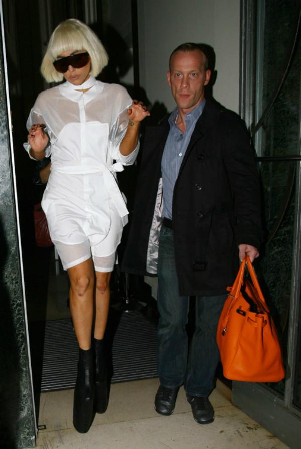 Lady Gaga u drustvu obezbedjenja Sve torbe: Lady Gaga