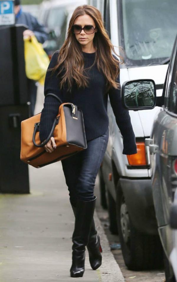 Victoria sa braon torbom 1.jpg  Sve torbe: Victoria Beckham