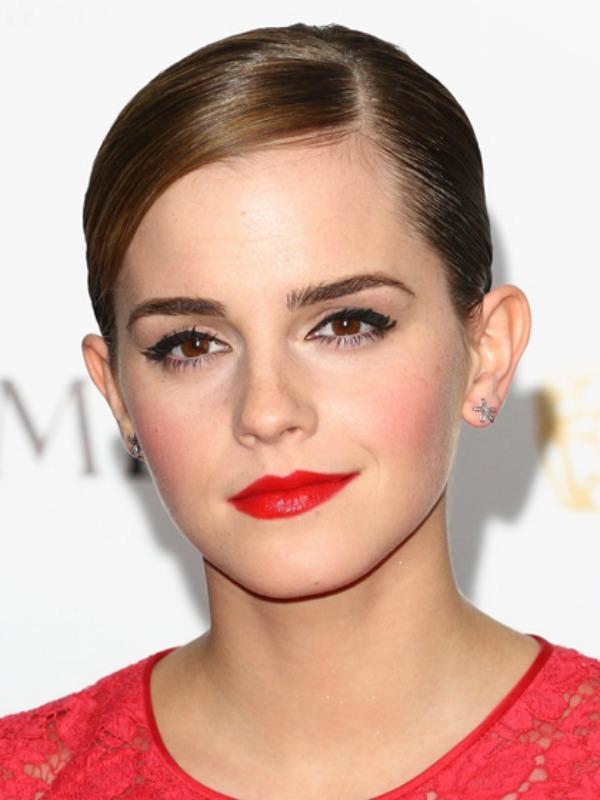 ema Beauty Look: Emma Watson
