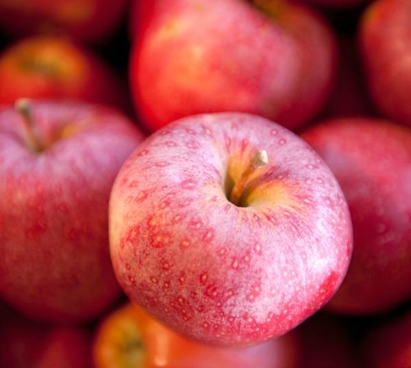 jabuke Zašto bi trebalo da jedete organsku hranu?