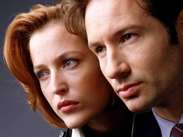 "slika 1 X Files MulderScully Serija četvrtkom: ""The X Files"""