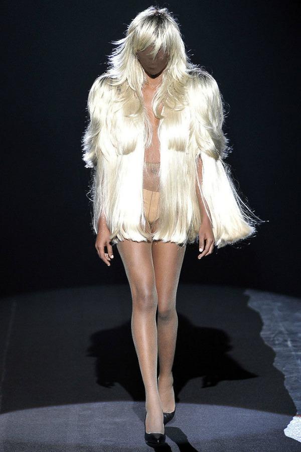 2 Martin Margiela Sako od perike Najbizarnije modne kreacije