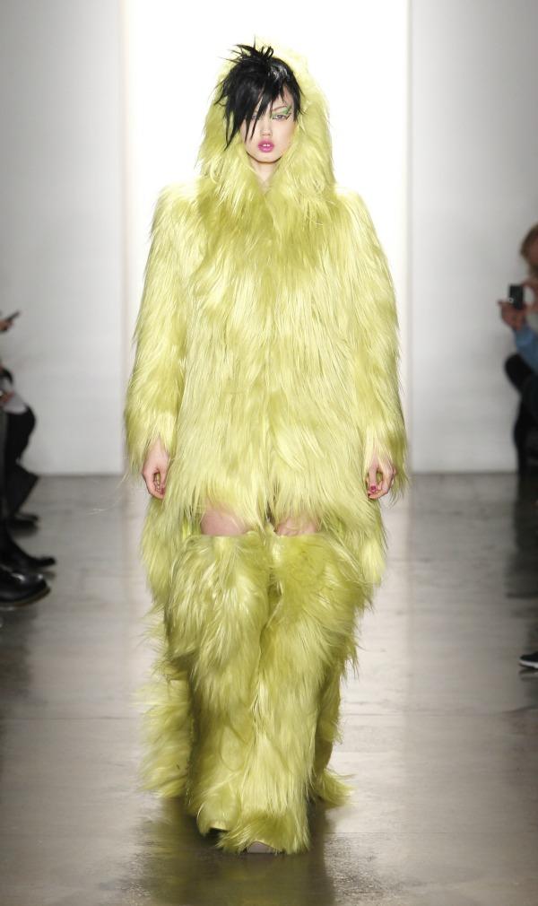 5 Zuto perje Najbizarnije modne kreacije
