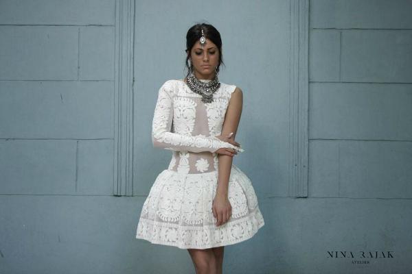 Bela haljina slika sa Nininim logom Wannabe intervju: Nina Rajak