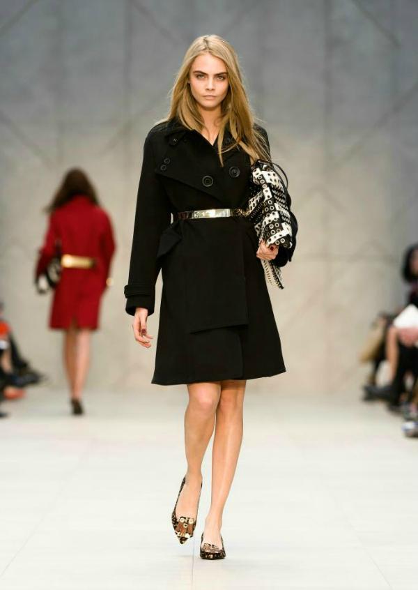 Crni kaput Burberry Prorsum: Neprevaziđeni trenč