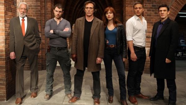 Glumacka ekipa serije Crossing Lines Serija četvrtkom: Crossing Lines