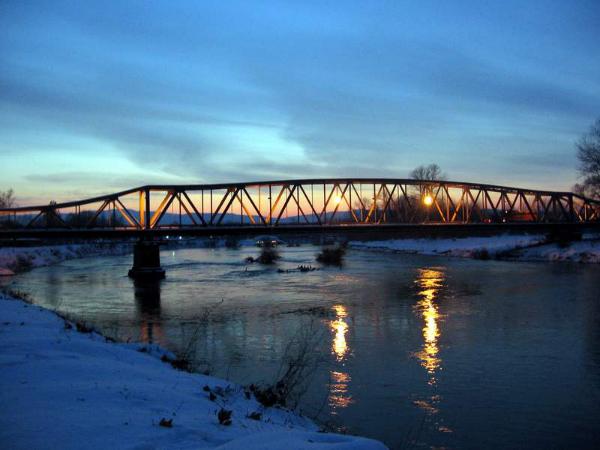 Ko će bez koga opstati... Most na Ćupriji