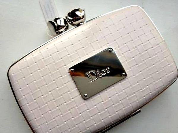 Krem tasnica Dior Modna opsesija dana: Tašnica Dior