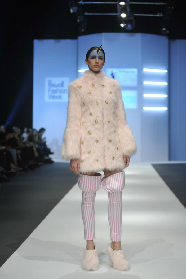 Ljubinkovic kaput krzno 34. Perwoll Fashion Week: Ana Ljubinković