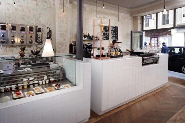 Pult od belih plocica Kafenisanje po planeti: Deset najboljih kuća kafe