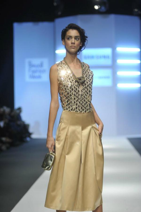 Robert Sever zlatna suknja 34. Perwoll Fashion Week: Zona 45