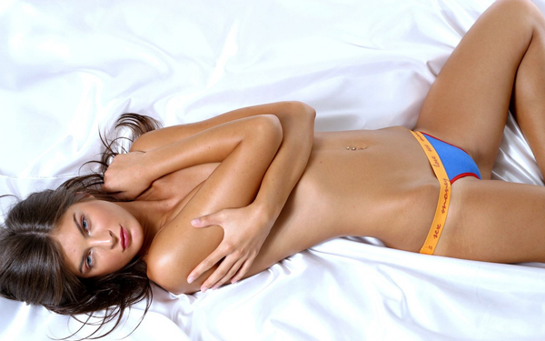 Sexy Girl On Bed 28 1680X1050 Sexy Wallpaper Seks na eks: Perverzija vs sloboda