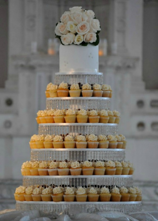 cupcake tower for wedding cakes wannabe mafini umesto svadbene torte wannabe magazine 13155