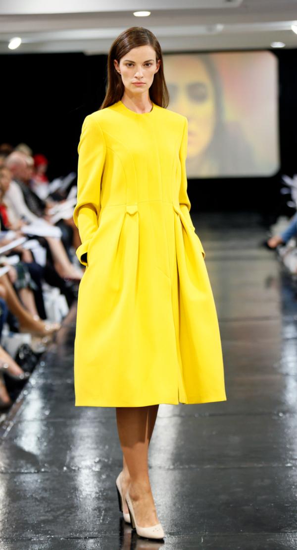 Zuto Modne nedoumice: Haljina ili kaput?