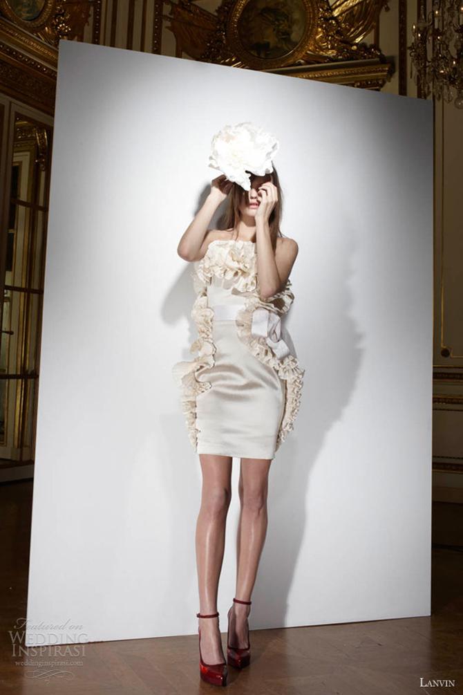 lanvin bridal 2013 short wedding dress strapless ruffles Wannabe Bride: Lanvin na sofisticiran način