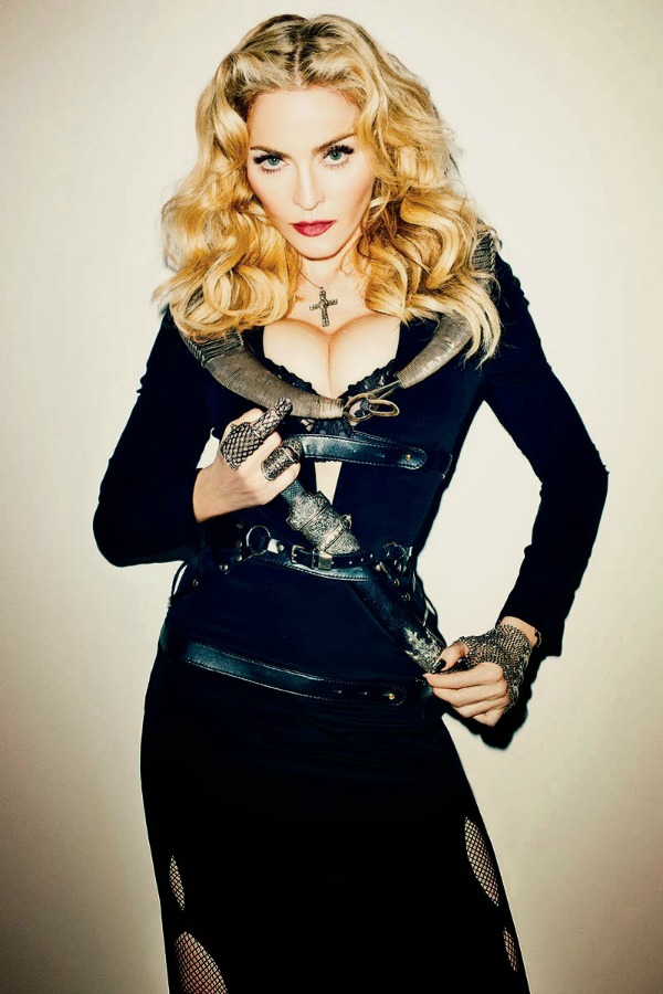madonna by terry richardson for harpers bazaar november 2013 3 Harper's Bazaar US: Madonna kao seksi ratnica