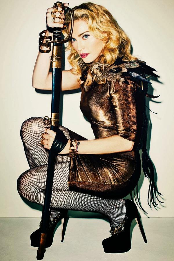 madonna by terry richardson for harpers bazaar november 2013 4 Harper's Bazaar US: Madonna kao seksi ratnica