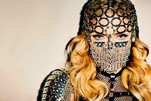 madonna by terry richardson for harpers bazaar november 2013 Harper's Bazaar US: Madonna kao seksi ratnica