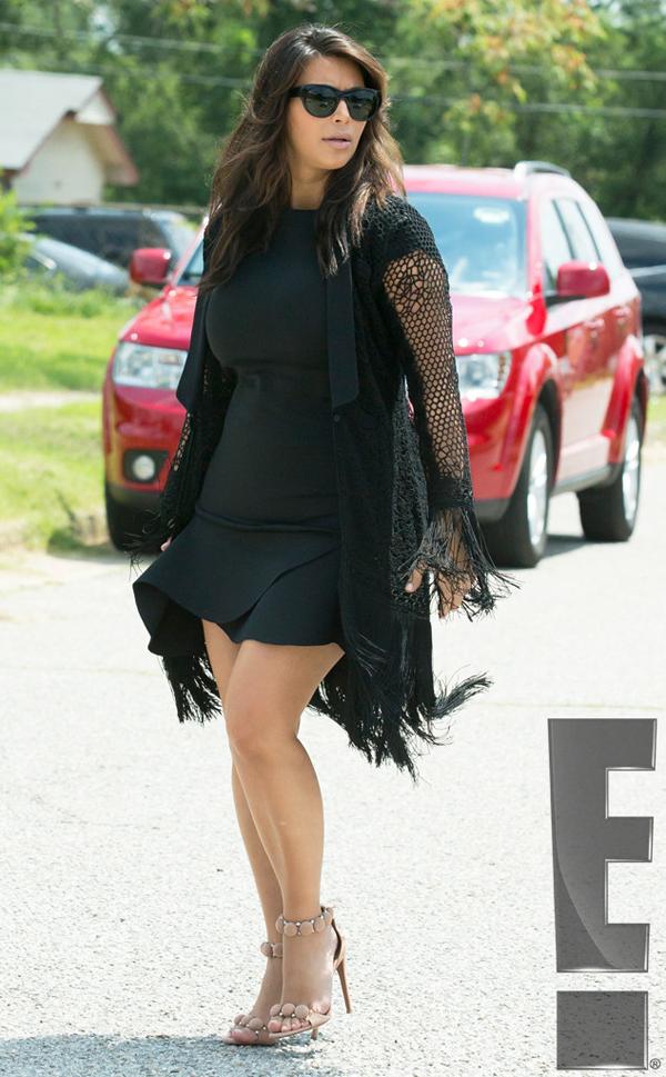 rs 634x1024 130819085954 634.KKardashian.jl .081913 Stil Kim Kardashian posle porođaja