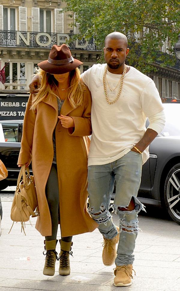 rs 634x1024 130928073530 634.Kim Kardashian Kanye West Paris Fashion.jl .092813 Stil Kim Kardashian posle porođaja