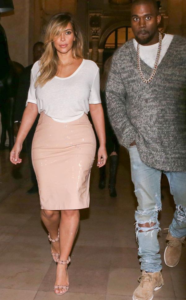 rs 634x1024 131001105404 634.kimkardashian pink.cm .10113 Stil Kim Kardashian posle porođaja