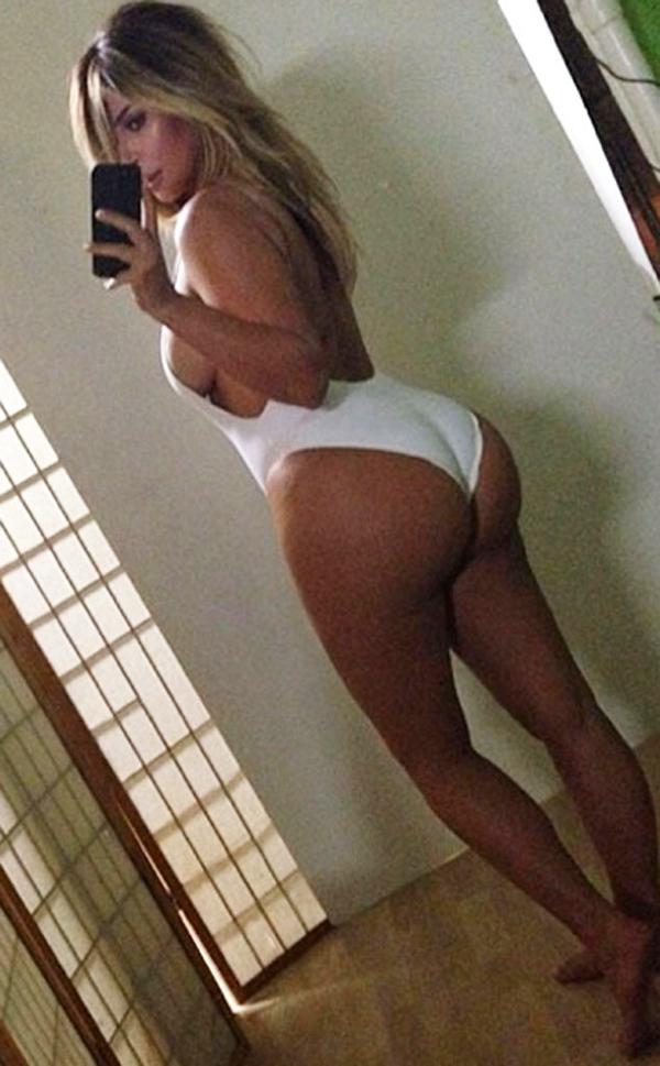 rs 634x1024 131017083901 634.Kim Kardashian Bikini Butt Body.jl .101713 Stil Kim Kardashian posle porođaja