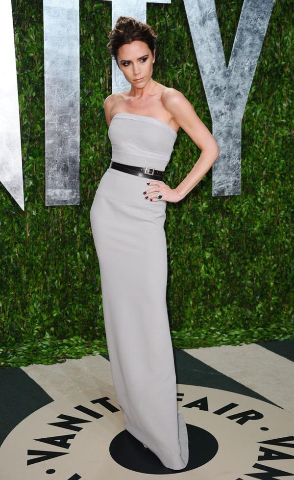 2012+Vanity+Fair+Oscar+Party+Hosted+Graydon+ C2oIaxNemKx Victoria Beckham: Deset lekcija o stilu