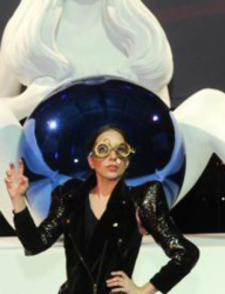 "Lady Gaga predstavila svoj novi album ""Artpop"""