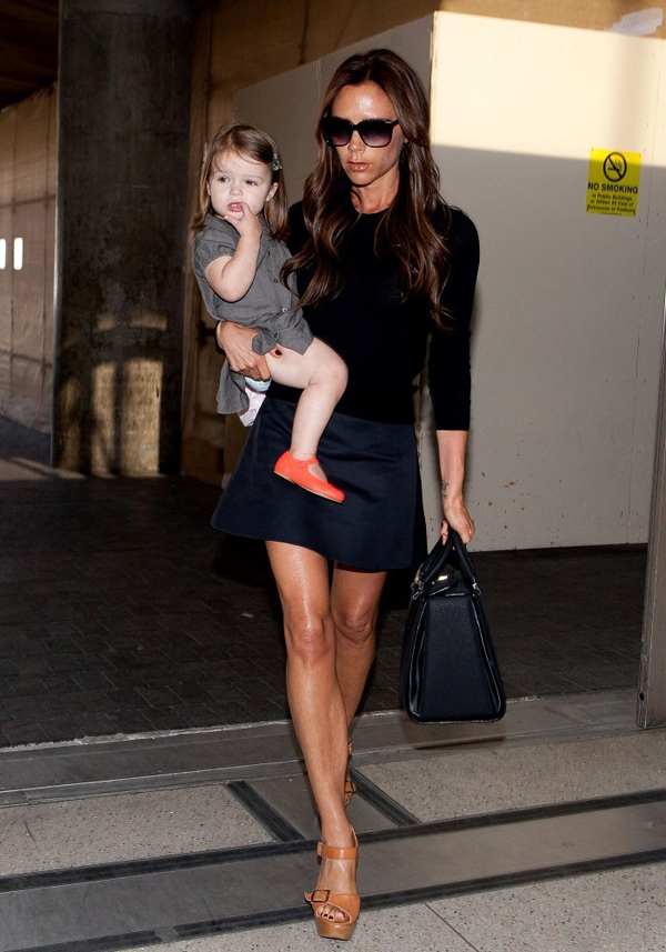 Beckham+family+departure+0rXkhNzjJoGx Victoria Beckham: Deset lekcija o stilu