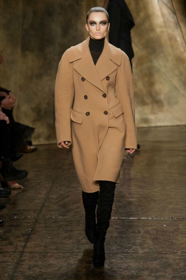 Donna Karan Jesenji trend: Supersize kaputi